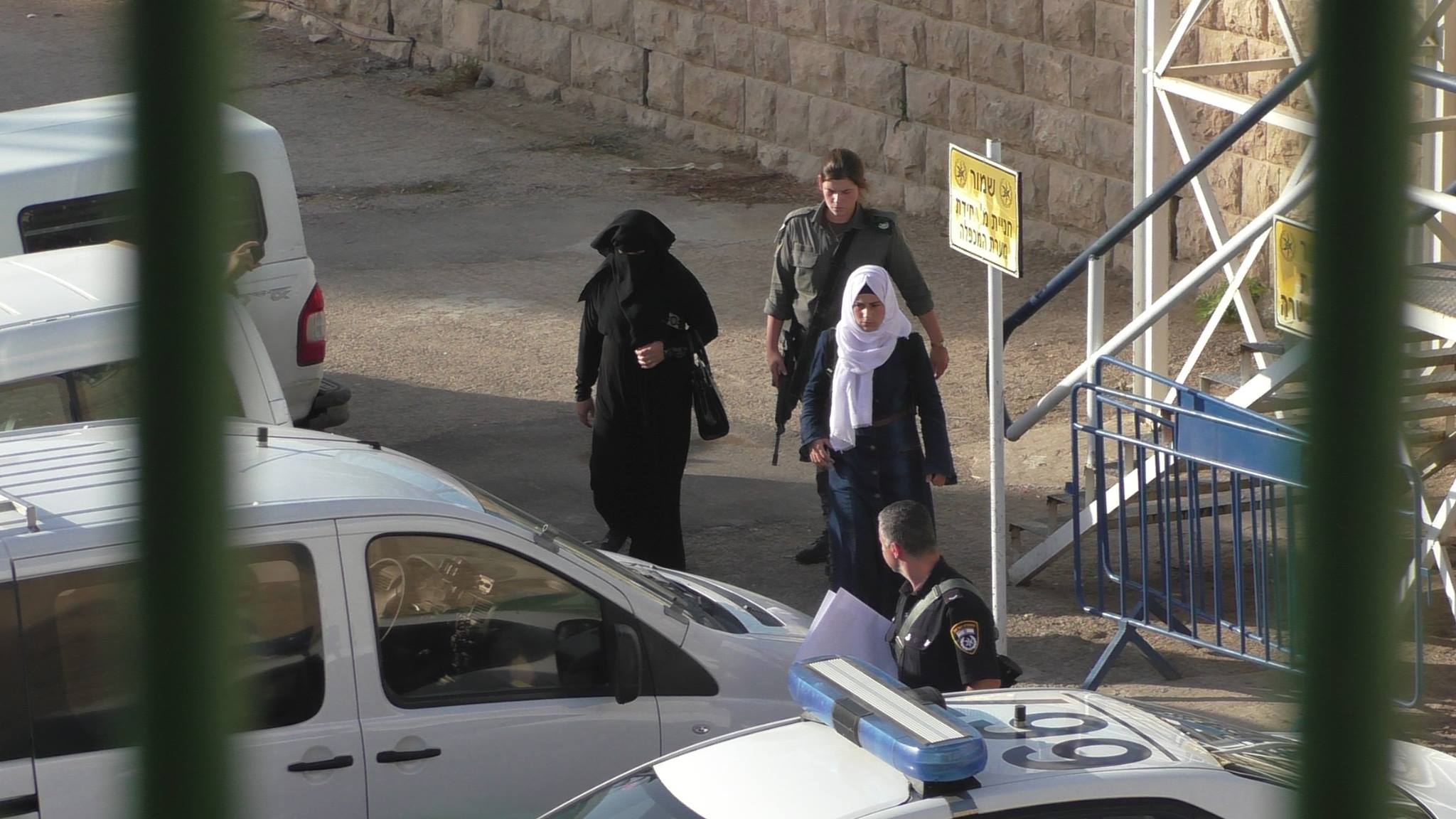 Israeli prison guards arrest mother of Palestinian detainee