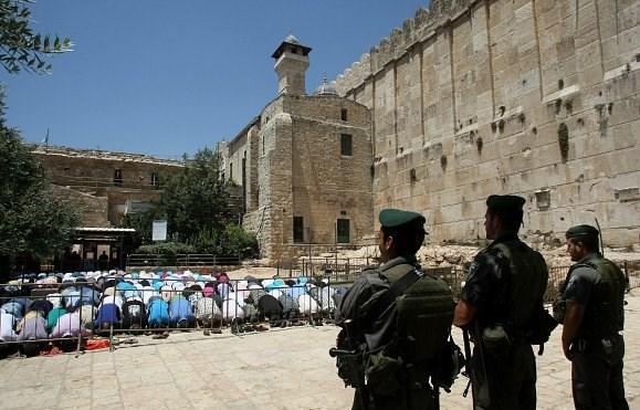 Yahudiler Sare Bayramı nedeniyle Harem-i İbrahim Camii'ne baskın ...