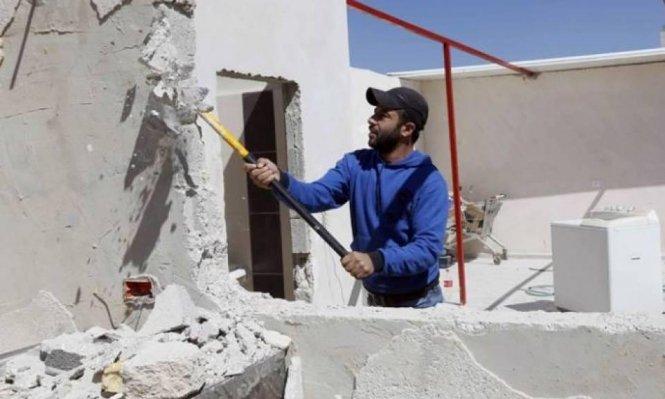 Israeli authorities order Jerusalemite to demolish his home