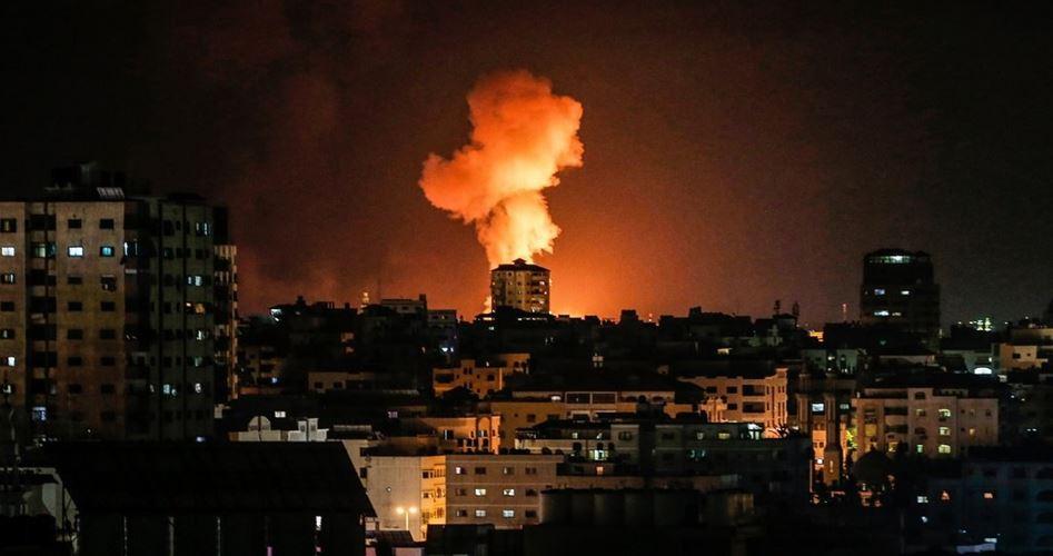 Bombardamenti aerei israeliani contro la Striscia di Gaza